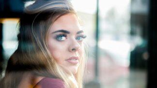 Erika (33): Moje neteř mě nenávidí. Prozradila jsem její tajemství a ona mě chce zničit