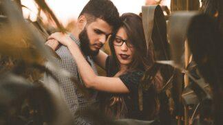 Zatloukat, zatloukat, zatloukat? Je lhaní opravdu dobrým řešením krize ve vztahu?