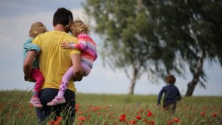 Autokratické nebo liberální rodičovství? Existuje i zlatá střední cesta