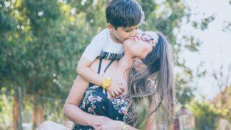 Touha po dokonalém rodičovství je cesta do pekel. Dovolte si dělat chyby