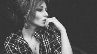 Klára (37): Po vztahu sdespotou si nevážím žádného muže. Současný partner mě zas miluje až příliš