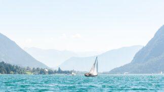Rodinná dovolená u vody? Tyrolské moře nabízí azurovou vodu i výlety do hor