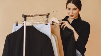 Žaneta (39): Můj muž mi koupil oblečení a nutí mě ho nosit. Takhle se ale oblékat nemůžu