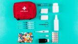 Vybavte se na výlet i dovolenou: Záchranářka radí, co nesmí chybět v cestovní lékárničce