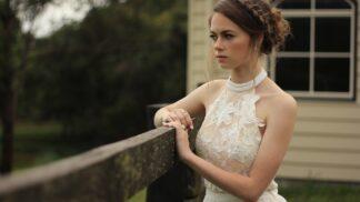 Sylvie (28): Až na svatbě jsem zjistila, koho jsem si vzala. Můj muž má obrovský problém