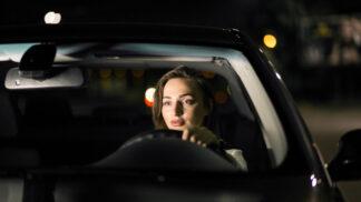 Daniela (27): Předjíždějící řidič přibrzdil a ukazoval, abych odbočila. V tom se stalo něco děsivého