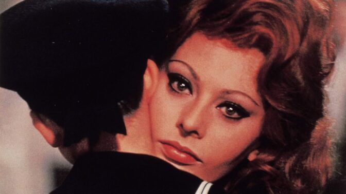 Kráska Sophia Lorenová a zvíře Carlo Ponti: Obviňovali je z bigamie, museli uprchnout z Itálie