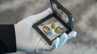 Cena zlata v posledních dnech raketově roste