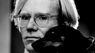 Originální umělec Andy Warhol by dnes oslavil 92 let: Znáte jeho nejkontroverznější počin?