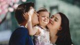 Byli na vás rodiče přísní, a proto svoje dítě až rozmazlujete? Psycholožka Samsonová radí, na co si dát pozor