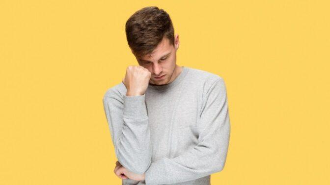 Barnabáš (19): Nesnáším svoje jméno, chci se nechat přejmenovat. Rodiče mně kvůli tomu vyhrožují