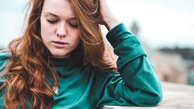 Žaneta (27): Kamarádka je po rozchodu jako utržená ze řetězu. Střídá chlapy a pije