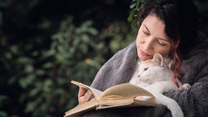 Bohdana (65): Když mi můj vnuk daroval kočku, nadšená jsem nebyla. Nakonec mi zachránila život