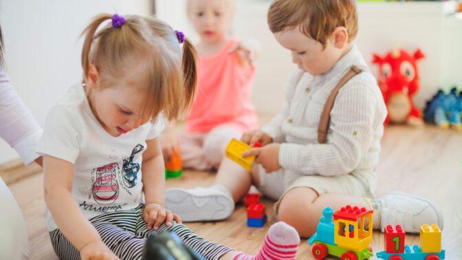 Pláče vaše dítě ve školce? Psychoterapeutka radí jednu důležitou věc