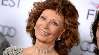 Sophia Loren slaví 86. narozeniny: Chudá holka, která zazářila na filmových plátnech a žila se slavným bigamistou
