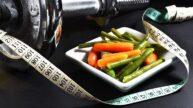 Zhubněte bez posilovny: Spálíte víc kalorií mytím oken, na rotopedu nebo sexem?