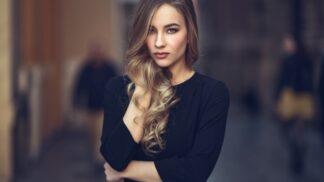 Valérie (29): Kolegyně v práci se začala oblékat stejně jako já. Navíc působí dost divně, asi podám výpověď