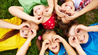 Krvavé koleno, Pepíčku, pípni nebo školky: Pozapomenuté hry, které jsme hráli jako malí