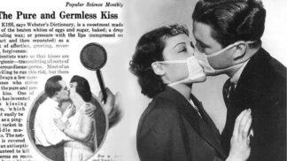 Líbejte se jen v rouškách, radili odborníci za španělské chřipky v roce 1918