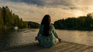 Život v neustálém stresu: K čemu je vhodná meditace?