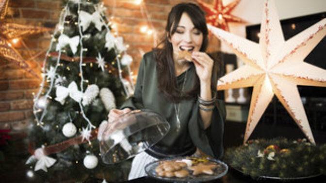 Jak nepřibrat o Vánocích ani deko? Naučte se odmítat jídlo a neseďte celé svátky u pohádek!