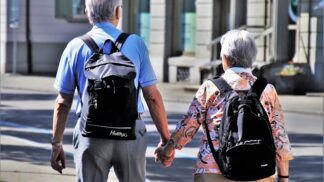 Čeští senioři: Bojí se sice stáří, ale nakonec si důchod užívají