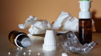 Podzimní nemoci: Rýmu a kašel zná každý. Co nás může potkat dalšího?