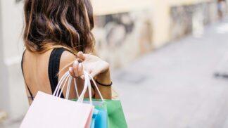 Black Friday: Listopadový nákupní svátek se blíží. Kolik letos Češi dle odhadů utratí?