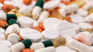 Velký průvodce léky na kašel: Jak se v nich vyznat a vybrat ty pravé?