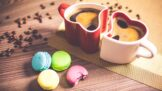 Dopřejte si ji klidně před spaním: Vše, co jste chtěli vědět o bezkofeinové kávě