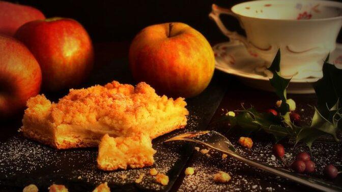 Sezóna jablečných koláčů je tu: Čím potěšit návštěvu, děti i partnera v podzimních dnech