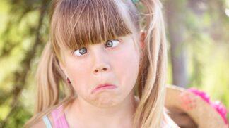 Šilhání u dětí. Kdy je běžné a v jakých případech je dobré zajít k lékaři?