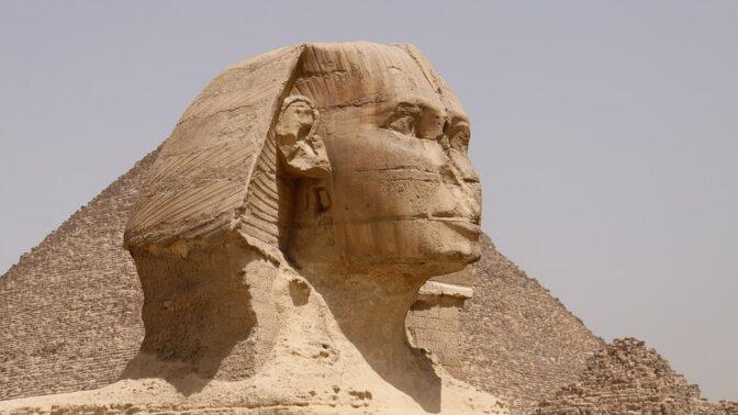 Velká Sfinga v Gíze, která chrání pyramidy. Toto jste o ní možná netušili