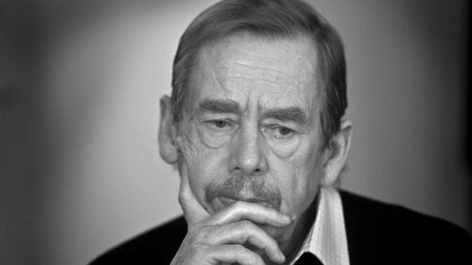 Před 83 lety se narodil Václav Havel: Co pozitivního dal tenhle velikán Česku?