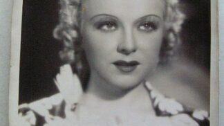 Andělsky krásná Věra Ferbasová. Do hereckého nebe odešla sama a dočista zapomenuta