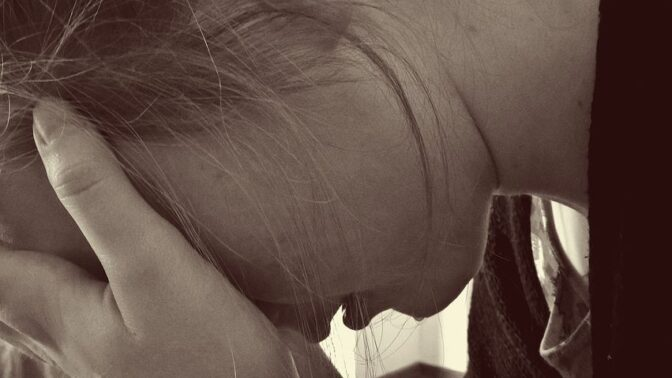 Jak překonat deprese? Po antidepresivech okamžitě nesahejte