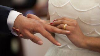 Dělá se vám při představě manželství zle? Možná máte gamofobii
