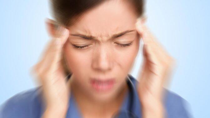 Vědci prý konečně odhalili příčinu migrény