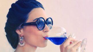 Modrá krev v lahvi. Španělé vyvinuli modré víno. Brzy expanduje do střední Evropy