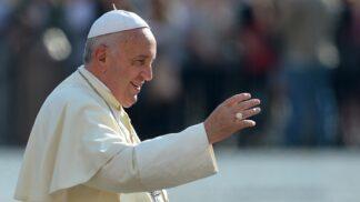 11 inspirativních rad papeže Františka pro krásný partnerský vztah