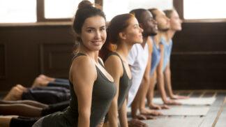 Hot jóga pro začátečníky: Jak se cvičí, jaké pocity vás pohltí a co můžete očekávat?