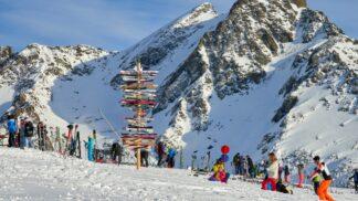 Lyžovačka ještě nekončí! Zajeďte se se zimou rozloučit do Alp, sněhu je tam dost