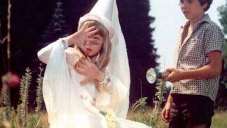 Také milujete film Ať žijí duchové? Nejsmutnější osudy hlavních hrdinů. Leontýnka zemřela velmi mladá na rakovinu