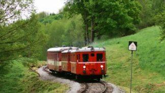 Vlakem na výlet: 5 tipů, kam se historickými vlaky o víkendu vypravit s dětmi