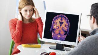 Světový den proti mozkové mrtvici: Poznáte příznaky nemoci, jejíž léčba stála loni stát půl miliardy korun?