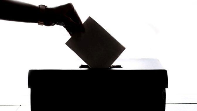 Podle sázkových kanceláří vyhraje volby do Evropského parlamentu hnutí ANO. Moc šancí naopak nedávají komunistům.