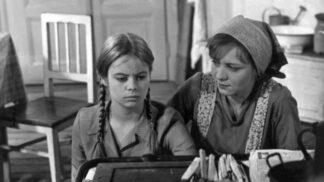 Zfilmovaný dívčí román Robinsonka: Režisér Kachyňa stál za kamerou i s Alzheimerem a Parkinsonem