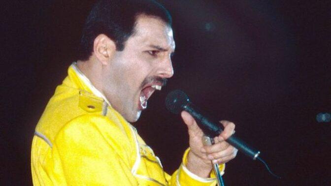 Freddie Mercury by se dnes dožil 73 let: Připomeňte si jeho divoký život i osudové lásky