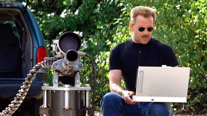 Akční thriller Šakal: Před Brucem Willisem byla role Šakala nabídnuta Richardu Gereovi, ten si ale chtěl zahrát hrdinu