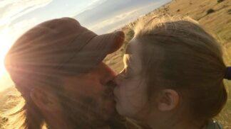 David Beckham políbil svou dceru na rty a za fotku na Instagramu to zase schytal